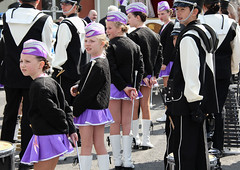 IMG_4198 copie (_wysiwyg_) Tags: maubeuge nordpasdecalais cortègejeanmabuse streetphotography candid fête festival parade musiciens musicians majorettes