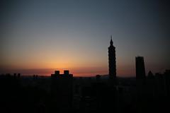IMG_2266 (BrellLi) Tags: taiwan taipei taipei101 xiangshan 象山 六巨石 sunset 日落 canon6d sigma24105mmart silhouette