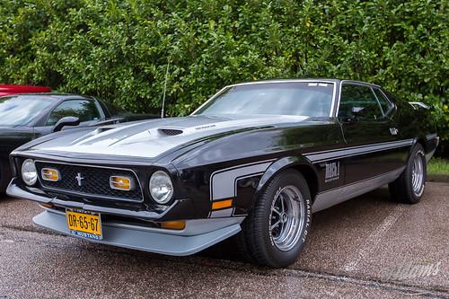 AP17-2296  Ford Mustang