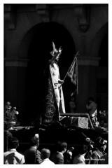 El resucitado, o el triunfo sobre la muerte. (Imati) Tags: zamora semanasanta procesión resurrección plazamayor nikon trix