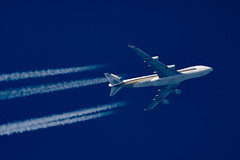 Singapore Airlines Cargo 747-412F(SCD) 9V-SFN (Thames Air) Tags: singapore airlines cargo 747412fscd 9vsfn contrails telescope dobsonian overhead vapour trail