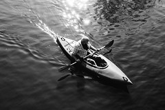 \ (MobilShots) Tags: blende1 blende1net patrickgorden city fotograf fotografhamburg fuji fujifilm hamburg outdoor street urban xt1 blackandwhite monochrome boat man water streetphotography