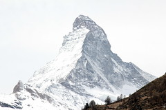 Matterhorn - Mont Cervin - Monte Cervino ( VS - I - 4`478 m - Erstbesteigung 1865 - Viertausender - Berg montagne montagna mountain ) in den Walliser Alpen - Alps bei Zermatt im Mattertal - Nikolaital im Kanton Wallis - Valais der Schweiz und Italien (chrchr_75) Tags: hurni christoph chrchr chrchr75 chrigu chriguhurni april 2017 berg alpen alps mountain matterhorn mont cervin monte cervino zermatt landschaft landscape wallis valais kantonwallis montcervin montecervino albummatterhorn schweiz suisse switzerland svizzera suissa swiss sveitsi sviss スイス zwitserland sveits szwajcaria suíça suiza