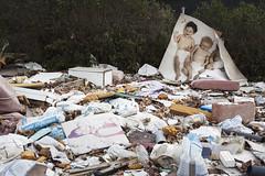 Getafe. 2016. (Jose_Pérez) Tags: getafe madrid color niños contraste suciedad basura escombros street urbano children contrast dirt garbage rubble mirar observar look