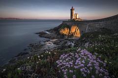 Le Minou (amateur72) Tags: brest bretagne fujifilm minou xf1024mm coucherdesoleil lighthouse longexposure mer phare poselongue sunset xt1