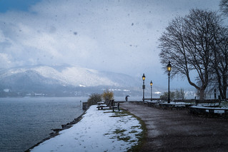 Schnee am See