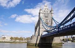 17 0382 - Londres, Tower Bridge (jeanpierreossorio) Tags: grandebretagne angleterre londres pont towerbridge métal rivière tamise