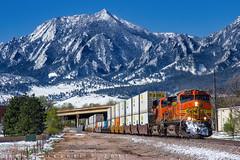 Spring Snow Brings Sunshine (Colorado & Southern) Tags: bnsfrailway gec449w gees44c4 bnsfes44c4 intermodal trains train railfanning railroad railfan railway railroads rockymountains railroading colorado coloradorailroads coloradotrains jbhunt qtrain