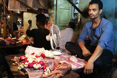 Write a 500-Word Essay on the Job Satisfaction of a Flower Seller (Mayank Austen Soofi) Tags: delhi walla write 500word essay job satisfaction flower seller