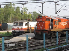James bond WAP 5 and LDH WDM 3A 16435 at Chandigarh (WIN locomotives) Tags: station james indian wheels tracks engine trains goods led wires wap wag locomotive signal railways locomotives chandigarh ludhiana superfast rajdhani ghaziabad irfca shatabdi