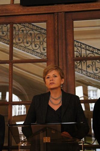 Inauguration d'une plaque commémorative en l'honneur du journal clandestin Défense de la France