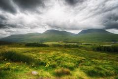 Glencoe Valley, Scottish Highlands (CamelKW) Tags: uk mountain scotland unitedkingdom glen valley glencoe scottishhighlands mountainpeaks glencoevalley mountainsandskies