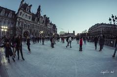 Patinoire - Hotel de Ville - Paris (vlegallic) Tags: winter paris france ice ledefrance hoteldeville hiver fisheye patinoire samyang samyang8mm patinoiredelhoteldeville