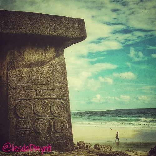 'Ratenggaro Beach'  a virgin beach with historical and culture site in East Nusa Tenggara, Indonesia. Located at Ratenggaro village,kodi bangedo, southwest sumba, it takes around 1,5 hour from waikabubak city. The beach not only has big wave with long rol