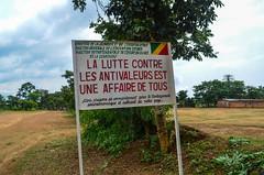 20140103-DSC_7527 (jbdodane) Tags: africa road bicycle sign cycling congo velo vlo cyclotourisme cycletouring day426 freewheelycom