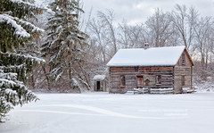 Wolkensdrfer log cabin in Frankenmuth Michigan (Craig - S) Tags: christmas winter house snow cold rural season countryside wooden log cabin midwest snowy michigan farm country rustic seasonal stock logs stockphotos homestead icy frankenmuth stockphotography frankenmuthmichigan frankenmuthstockphotos wolkensdrferloghouse