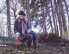 Queen B (Barbarella_StrangeLovely) Tags: b trees selfportrait forest self myself wald bume selbstportrait selbst selbstauslser