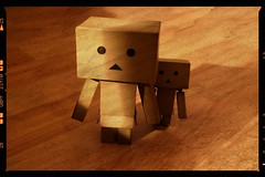 Hide (Only in RAW ) Tags: japan canon toys happy robot amazon box weekend explorer mini days cardboard danny 365 danbo amazoncojp 366 toyphotography revoltech danbee danboard 366daysproject minidanbo