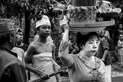 bali-random b-w17 LR-0059 (Silvia Boecke) Tags: portrait people blackandwhite bw bali white black monochrome indonesia blackwhite nikon ceremony be weiss schwarz indonesien lightroom zeremonie blackwhitephotos randaom