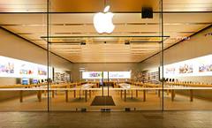APPLE STORE ADELAIDE_3727_4000 (Rikx) Tags: apple applestore applestoreadelaide rundlemall iphone imac ipod night lights southaustralia canon80d
