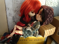 Amazon love (Amor Amazon) 23 (Lunalila1) Tags: doll groove junplaning pullip amazon track kuro amoramazon viii fh fotohistoria masamune sam samantha date sengoku basara tomboy handmade outfit hat gorra grell alison bendel yuri kiss