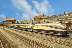 DRG BR 61 001- Rivarossi (Stig Baumeyer) Tags: drg deutschereichsbahn steamlocomotive damplok dampflokomotive ånglok damplokomotiv scalah0 scala187 187 h0 h0skala h0scale echelleh0 echelle187 modelleisenbahn modelljernbane modelljärnväg modelrailway diorama h0layout ferromodellismo streamliner stromlinienlokomotive drgbr61 baureihe61 drgbaureihe61 henschelwegmannzug henschel henschelwegmann rivarossi rivarossi187 rivarossih0