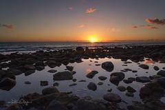 Steinstrand Gran Canaria / Stone beach Gran Canaria (Claudia Bacher Photography) Tags: grancanaria spanien strand beach steinstrand stonebeach sonnenuntergang sunset himmel heaven steine stones meer sea wasser water