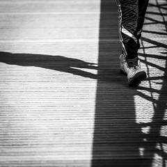 Diagonales aux Buttes-Chaumont - Paris (Remy Carteret) Tags: squareformat square paris canon 5d mkii mk2 markii france eos remycarteret rémycarteret canon5dmarkii canon5dmark2 canoneos5dmarkii canoneos5dmark2 5dmark2 5dmarkii mark2 canon5d blackandwhite noiretblanc nb noirblanc blackwhite bw humansofparis parisien parisienne parisiens parisiennes streetlife marche walk walking ombres ombre shadow shadows humains human street paris19e parisbutteschaumont butteschaumont