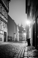The magic dustbin (mripp) Tags: street straft strase outside night nacht city urban stadt quedlinburg germany deutschland europe europa müll waste leica m 10 summicron 50mm art kunst vintage retro old award winning light black white mono monochrom