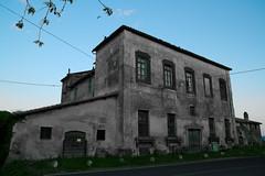 Casolare sulla provinciale 4a (lumun2012) Tags: lucio mundula canon eos 7d tamron