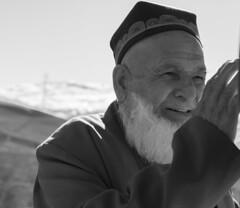 vecchio religioso (azziR1) Tags: tagikistan vecchio ritratto bw biancoenero azzir1 nikon nikond700 asiarogundam diga dam prete islam