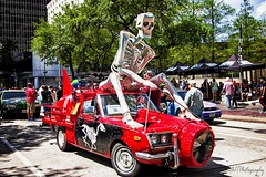 Mr. Bones IMG_5620-1 (matwith1Tphotography) Tags: matwith1t canon eos70d 70d 24105mm artcarparade outdoors colorful skeleton red streetphotography