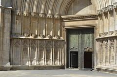 Portail de la cathédrale, détail (RarOiseau) Tags: catalogne espagne gérone cathédrale portail architecture epoquemédiévale