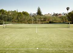 Kort (Mariusz Łuczak PL) Tags: kort trawa lato niebo drzewa siatka linie zielony niebieski domy krajobraz grecja greece gree green gras grass tennis tenis lines summer sky