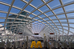 M (ohank1951) Tags: netkous network blue roof glass curves lines symmetry symmetrie city cityview railway prorail erasmuslijn erasmusline architecture station denhaag thehague zja zjazwartsjansma canoneos1100d efs1022mmf3545usm