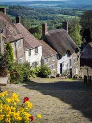 Shaftesbury's iconic Gold Hill, Dorset (Bob Radlinski) Tags: dorset dorsetalbum england greatbritain shaftesbury uk travel