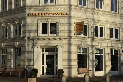 Starbucks-Neuer-Jungfernstieg-Hamburg