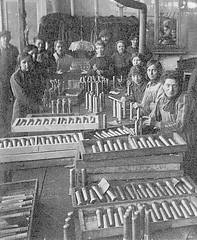 Atelier Couaillet Frères, Première Guerre mondiale (musee de l'horlogerie) Tags: clock museum de carriage musée armand horlogerie saintnicolasdaliermont lhorlogerie couaillet museehorlogerie