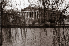 The Wind Beneath the Willows (jeremy.fountain) Tags: hello bw tn nashville parthenon centennialpark davidsoncountytn jeremyfountaincom