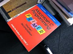 Dave Mark, Macintosh C Programming PRIMER Volume I 2/e (Damian Cugley) Tags: summer england book retro cover oxford bookshop oxfam computerhistory applemacintosh oxfambookshop macos8 2013 dustbinofhistory