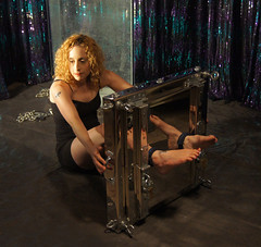 Escape Artist Dayle Krall and her new Water Torture Cell! (Dayle Krall:Most Accomplished Female Escape Artist) Tags: water television escapes biopic houdini adrianbrody historychannel agt jimcollins richardsherry watertorturecell hardeen kristenconnolly daylekrall ladyhoudini sherryandkrallmagic movies2014 historychannelhoudini houdinibiography