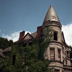 (deatonstreet) Tags: abandoned 120 film architecture kentucky historic louisville mansion automat modernruins flexaret ouerbacker kodakektar100