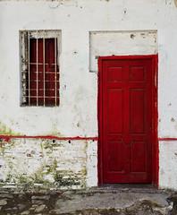 Puerta roja (supremo_0) Tags: door window ventana puerta fb andalucia d5100