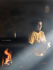 La magia de la luz (Jabi Artaraz) Tags: light reloj zb magia argia miren erlojua euskoflickr sukaldea superaplus aplusphoto flickrdiamond jartaraz altzuste blinkagain fuegobajo behekosua lamagiadelaluz