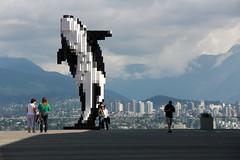 Cubic pixels (michael_hamburg69) Tags: sculpture canada vancouver digital harbor artist britishcolumbia skulptur whale orca hafen pixels wal douglascoupland kanada cubic künstler blackfish killerwal schwertwal digitalorca