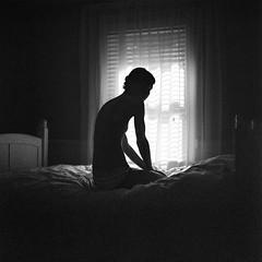 Desiree_002 (patofoto) Tags: blackandwhite bw woman 6x6 film nude square kodak squareformat diafine artisticnude femenine rolleiflexsl66e