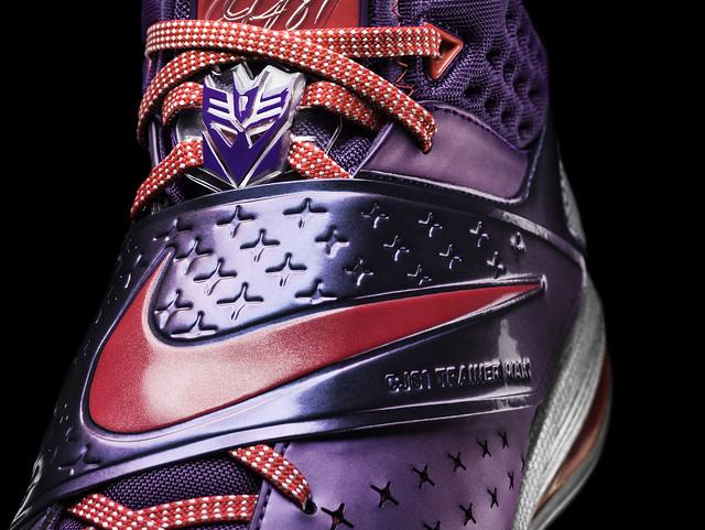 "Nike × Hasbro 推出史上首款專為運動員設計的變形金剛""密卡登""!"