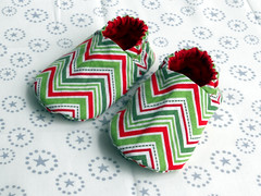 Reversible Baby Booties (Young Texan Mama) Tags: shoes sewing bibs babygifts babysewing toddlersewing