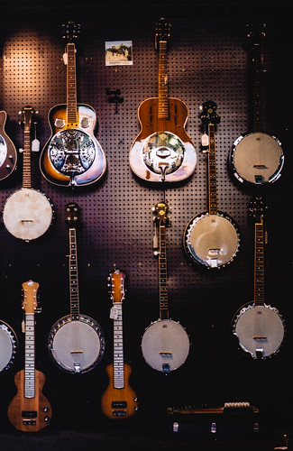 Strings Wall