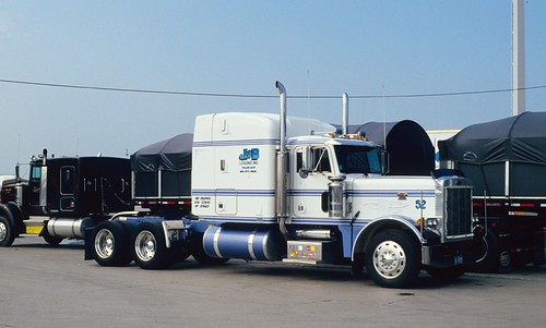 Perfect Pretty Peterbilt